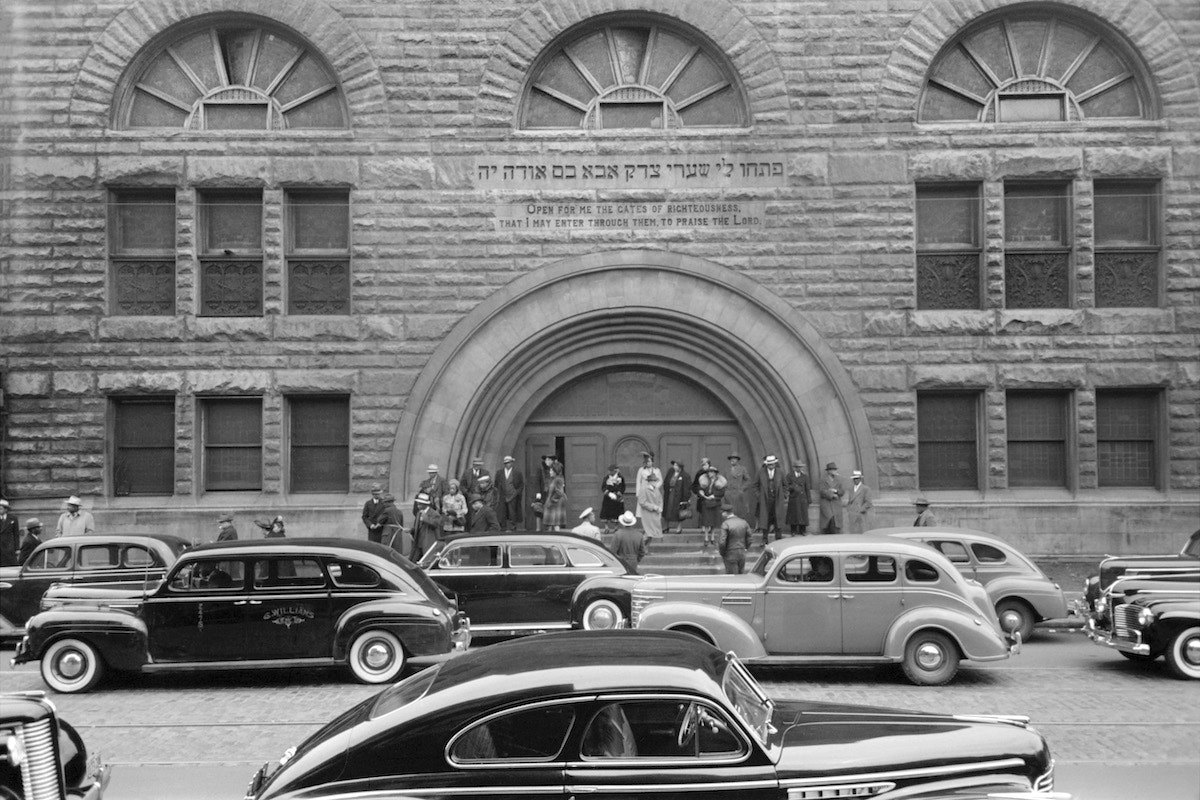 Easter Sunday, Pilgrim Baptist Church, South Side, Chicago, Illinois, USA, Russell Lee, Farm Security Administration, April 1941